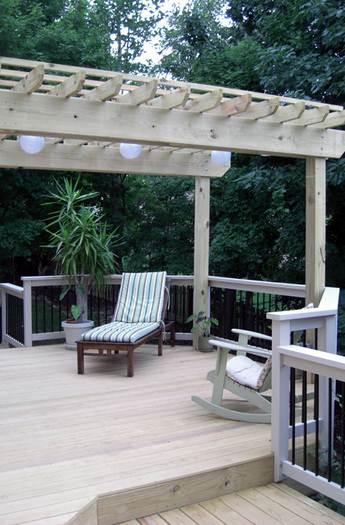 t rex deck with trellis custom decks columbus ohio composite decks timbertech decks