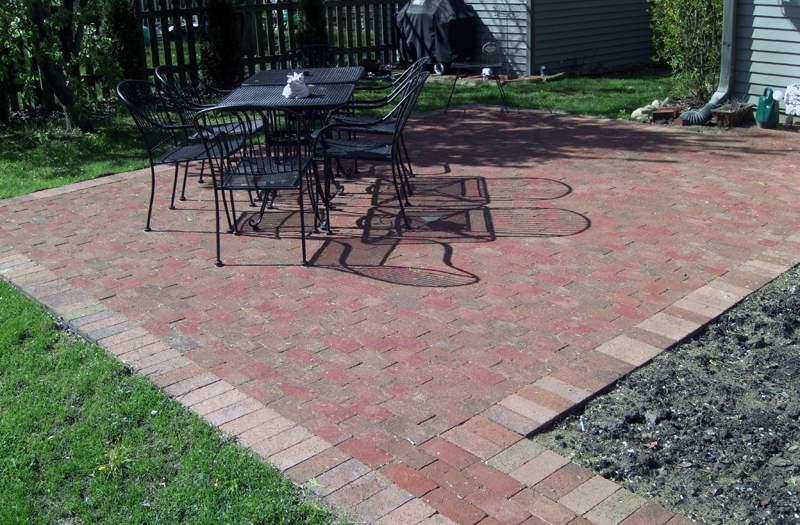 simple paver patio - Patio Designs