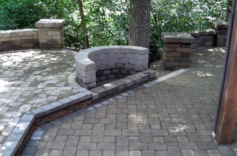 how to build a curved concrete wall