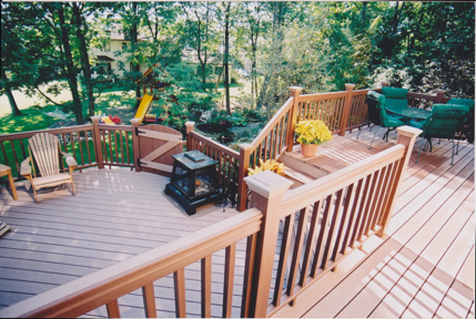 Baer Railings And Composite Offered In A Variety Of Finishes Designs We Also Offer Diffe Types Decking Fasteners Including